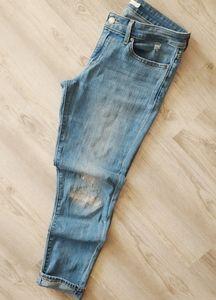 Levis 711 skinny distressed crop  jeans